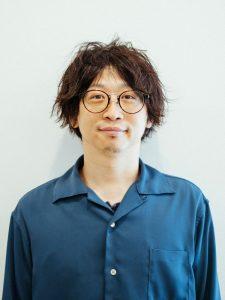 成田ヨシヒロ